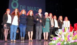 Mujer Premios 8 de Marzo