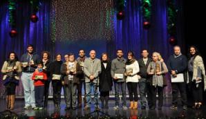 Ganadores y participantes del Concurso de Belenes junto a las autoridades locales
