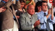 Al Fayed -centro- estuvo 16 años al frente del Fulham.