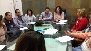 Imagen de la reunion mantenida entre Ayuntamiento y Asociaciones