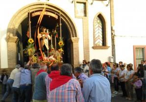San Isidro entra en su capilla