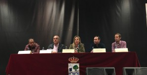 La Alcaldesa junto a los representantes del sector pesquero de Isla Cristina