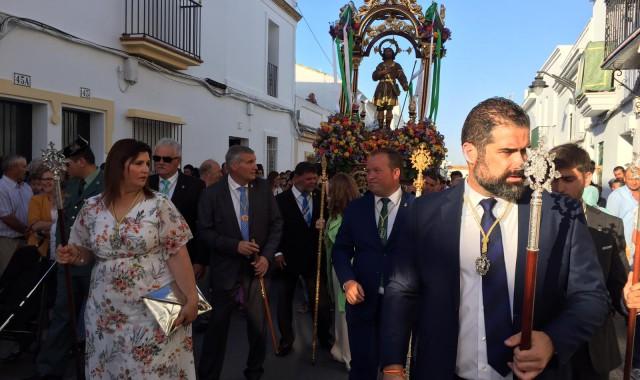 Cartaya traslada a San Isidro hasta la Parroquia del Apóstol San Pedro