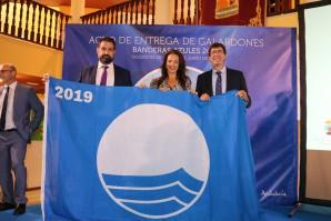 Cartaya recoge la bandera azul de la Playa de San Miguel