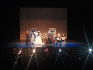 El Teatro del Mar de Punta Umbría acogió el musical 'La Belleza está en el Interior'