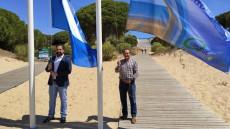 Manuel Barroso iza la Bandera Azul en la Playa de San Miguel