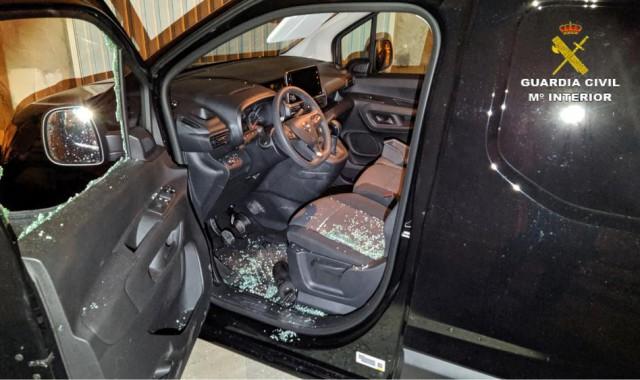 Detenido por robar en el interior de once coches en Isla Cristina