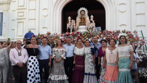 Isla Cristina se llenó de colorido con la ofrenda floral a la Virgen del Carmen