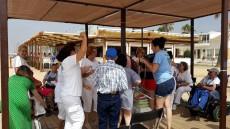 Los usuarios de ADL pasan una jornada de diversión en la playa de La Antilla