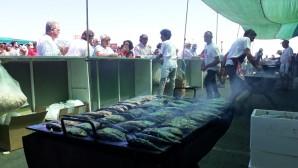 Más de un millar de personas celebran la tradicional 'Sardiná' de Punta Umbría