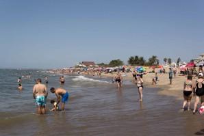 """Ayamonte lamenta los """"bulos"""" sobre sus playas y asegura que todas son """"aptas"""" para el baño"""
