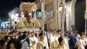 Lepe sale a la calle con la Virgen de la Bella