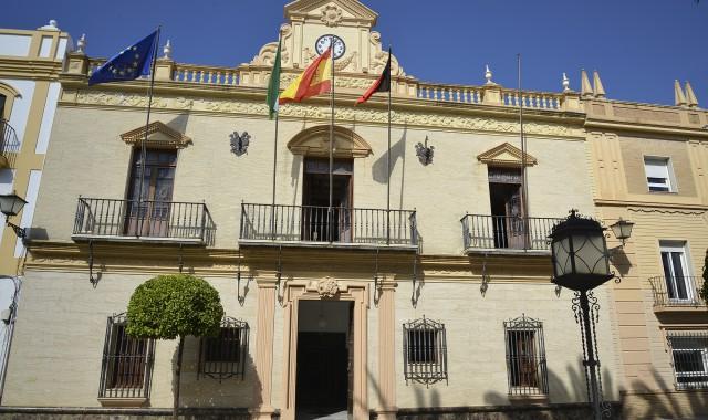 El Ayuntamiento de Ayamonte aprueba la refinanciación de su deuda