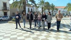 El PP apela al 'voto útil' en su reparto electoral en Lepe