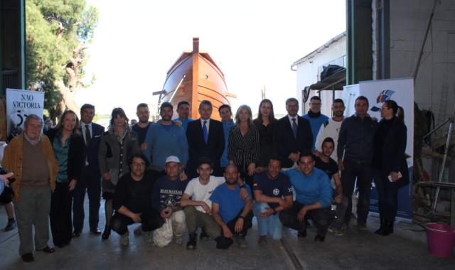 Del Pozo anuncia que la réplica de la Nao Victoria se podrá visitar desde marzo en el Guadalquivir