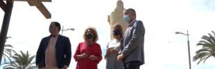 El PP realiza una ofrenda en el Monumento a Colón