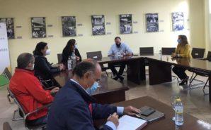 Punta Umbría y la FOE buscan soluciones ante la situación de los chiringuitos