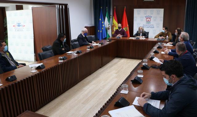 El Ayuntamiento de Cartaya y el sector agrícola abordan la seguridad frente al Covid-19