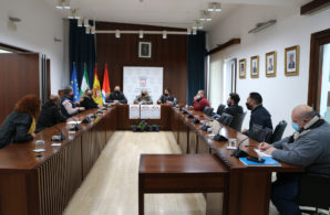 El Ayuntamiento y los hosteleros abordan la rebaja de la tasa de veladores por las restricciones del COVID-19
