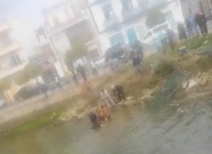 Cae al Estanque de la Ribera de Ayamonte tras perder el control de su vehículo