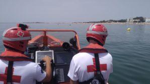 El barco de Salvamento de Cruz Roja Huelva realizó 60 intervenciones el último año