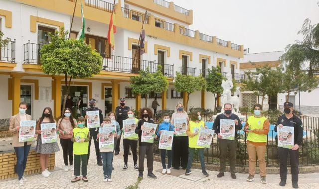 El CLIA de Aljaraque conciencia sobre la necesidad de recoger los excrementos de las calles