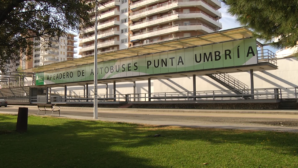 El apeadero de autobuses de Punta Umbría estrena nueva imagen